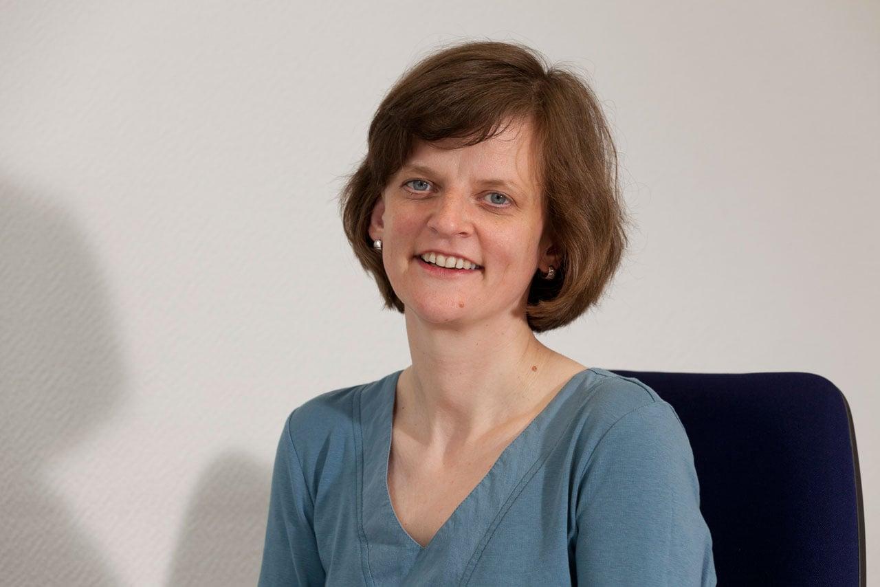 Ansprechpartnerin Corina Maertins, Rechnungswesen