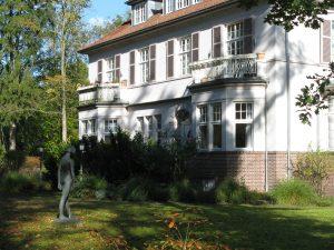Großzügige, sonnige Wohnung in der denkmalgeschützten Villa im CASA VITA Oberneuland